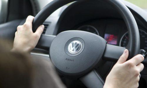 Amerikanen Kunnen Vanuit Auto Afscheid Nemen Van Overledene